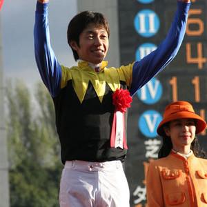 ファンは武豊騎手の3500勝までに、単勝1667億円投入