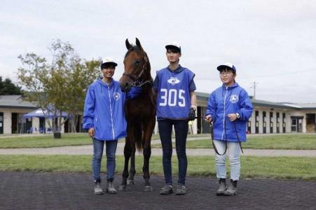 高校生生産馬が2750万円の高値で落札 静内農業高、来年デビューへ期待膨らむ