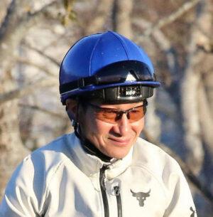 keiba 1612599211 101 300x305 - 【騎手】先月復帰の柴田善臣騎手が骨折、7日東京乗り替わり