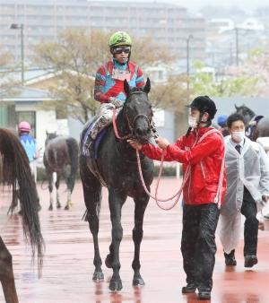 keiba 1618375749 101 - 【競馬】コントレイル 次走は宝塚記念に正式決定