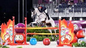 mnewsplus 1627981398 101 300x169 - 【五輪】馬がだるま(達磨)にびっくり?…総合馬術で減点相次いだ障害、「ミライトワ」に変更