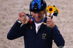 mnewsplus 1627981685 101 300x200 - 【五輪】62歳の豪選手がメダル獲得、1968年の後では最年長