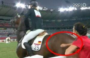 mnewsplus 1628431761 26501 300x194 - 【東京五輪】「虐待では?」馬を殴った独代表コーチに非難の声…「ルールに無理がある」の意見も