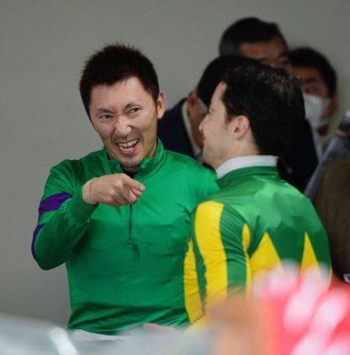 keiba 1487581171 3601 394x400 - Gallop2016 神騎乗ランキングで1位2位 武豊が独占!!!!!!!!!!!