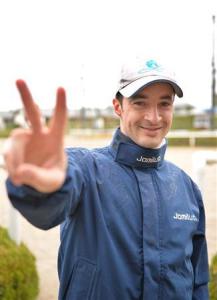 ルメール、1ヶ月遅れのJRA騎手デビュー 大阪杯ではラキシスに騎乗