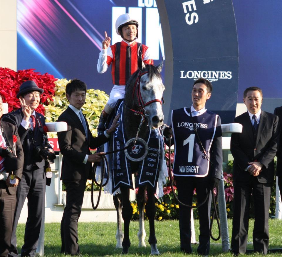 mnewsplus 1575793702 11901 - 香港カップ(シャティン・香港G1) 日本馬今日3勝目!好位追走ウインブライト(松岡)ゴール前抜け出しG1・2勝目!